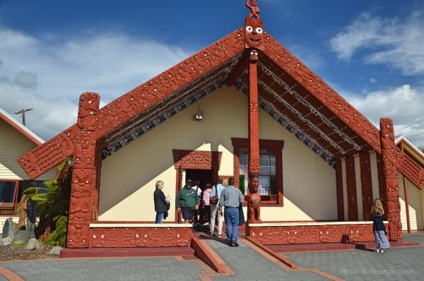 Maori_Village_Rotorua1