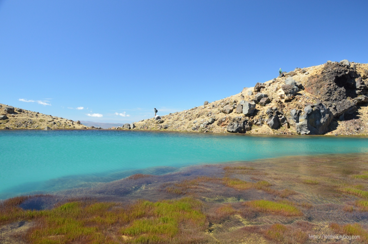 Tongariro_Crossing_BluePools.jpg