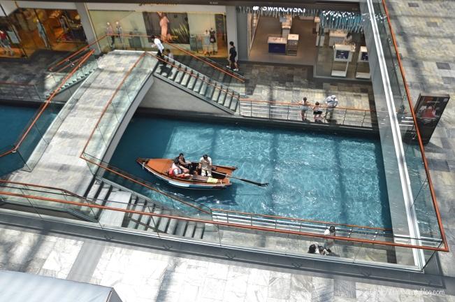 Shopping-Center_Singapur; Reiseguide Singapur; Sehenswürdigkeiten Singapur, 3 Tage Singapur; https://testbeautyblog.com
